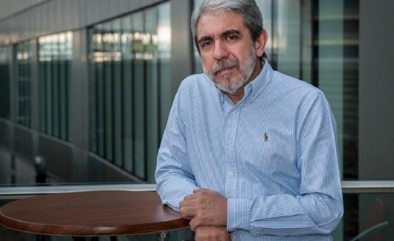 """Aníbal Fernandez: """"El abuelito de #1A Franco Mariani es un hermoso gorila, ex agente de la SIDE durante la dictadura"""""""