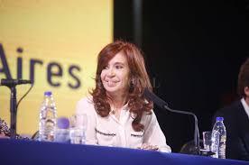 """Cristina Fernández de Kirchner: """"El Gobierno que yo dejé con 207 mil planes sociales hoy tiene 467 mil"""""""