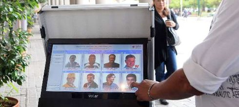 """Tullio: """"Este sistema [de voto electrónico] garantiza la transparencia y la imposibilidad de alterar el resultado"""""""
