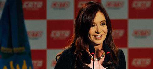 """CFK: La inversión pública """"significó en los últimos 9 años aproximadamente 4 o 5 puntos del PBI por año"""""""
