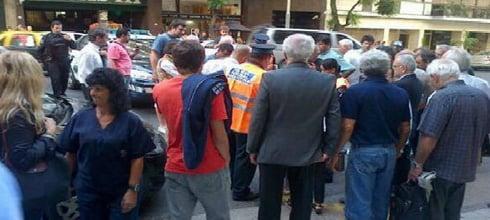"""Es #FalsoEnLasRedes el subsidio de $8.500 para el asaltante """"linchado"""" en Palermo"""