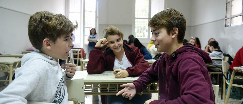 La inversión educativa argentina se ubica por encima del promedio regional y el 90% se destina a salarios