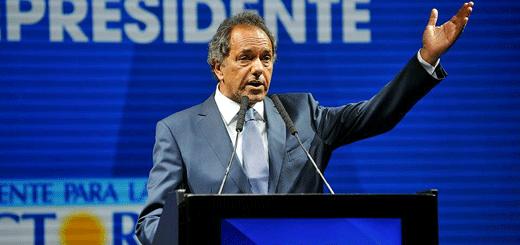 """Scioli: """"Macri triplicó la deuda pública de la Ciudad"""""""