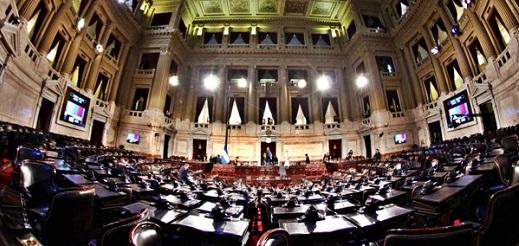 """Michetti: """"Teníamos dos mil empleados [en el Senado] y en un año, en 2015, se le sumaron dos mil más"""""""