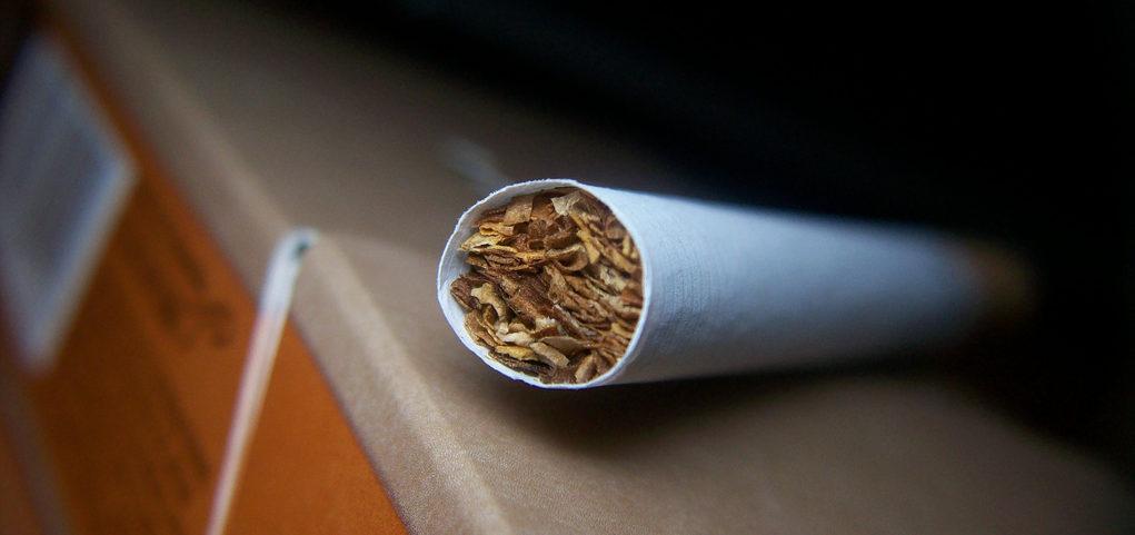 ¿La Argentina está entre los diez países del mundo con mayor carga impositiva sobre los cigarrillos?