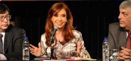 """CFK: """"El 4,5% de la población argentina está en las universidades y 3,5% está en las universidades públicas y gratuitas"""""""
