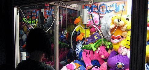 ¿Por qué ganar en una máquina de peluches no depende sólo de vos?