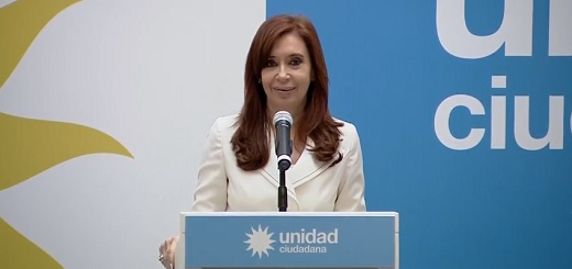 """CFK: """"En 2016 la inversión extranjera directa fue menos de la mitad de la que tuvimos en 2015"""""""