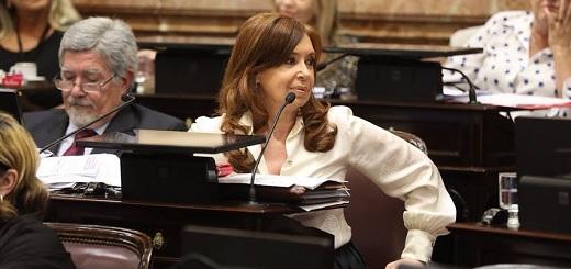 """CFK, sobre la gestión de Cambiemos: """"[Contrajo deuda por] más de US$100 mil millones"""""""