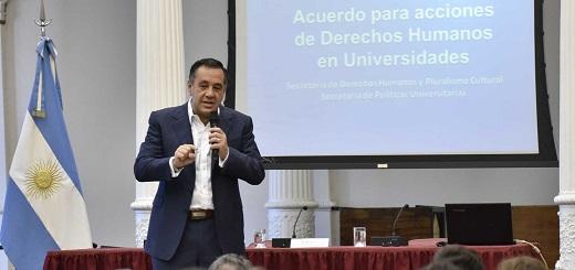 """Es verdad que el ministro Finocchiaro dijo que """"el paro universitario es impulsado por una 'alianza kirchnero-troskista'"""""""