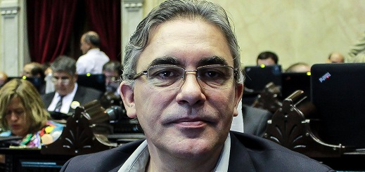 Es falso que Remo Carlotto se ausentó 83 veces en la Cámara de Diputados durante 2017 y tampoco cobra $490 mil