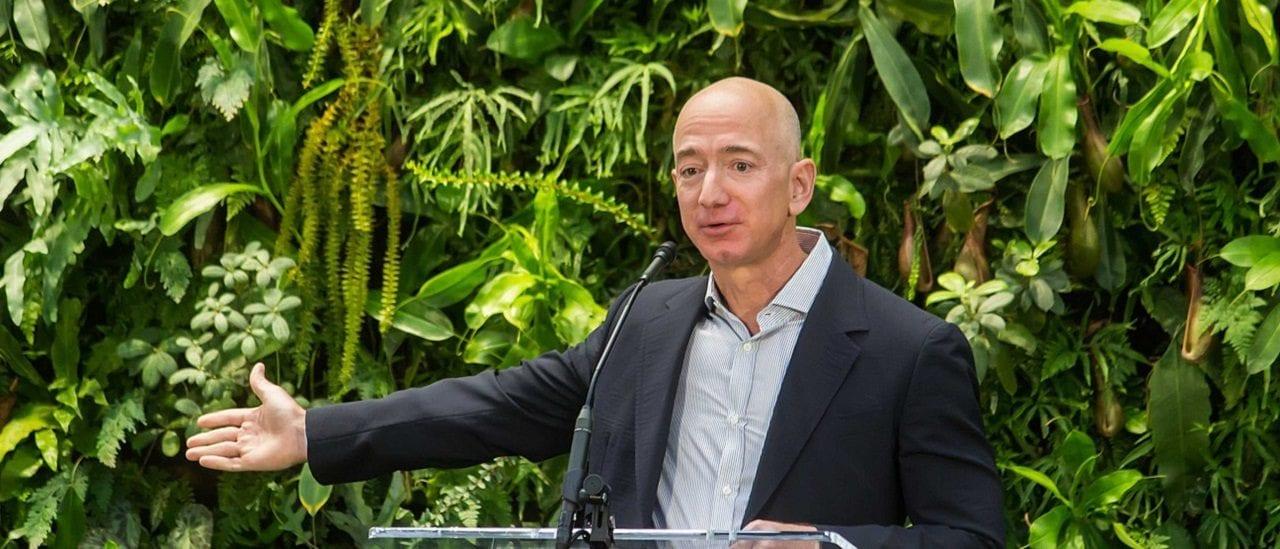 """No, el dueño de Amazon no dijo que """"el libro de Cristina será un best seller, como toda historia de gangsters"""""""