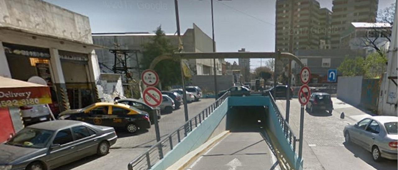 Es verdadero que las ambulancias no pasan por el viaducto de Ceretti en Villa Urquiza, pero hay tres próximos donde sí transitan