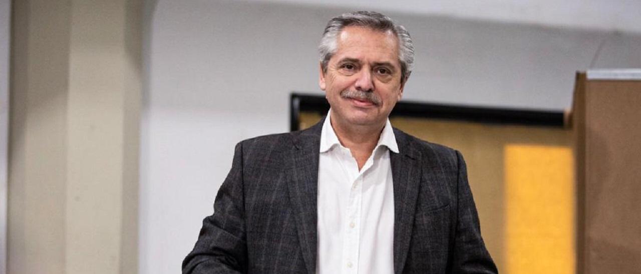 Alberto Fernández criticó la eliminación del IVA a los alimentos, pero esa propuesta está en su plataforma de campaña