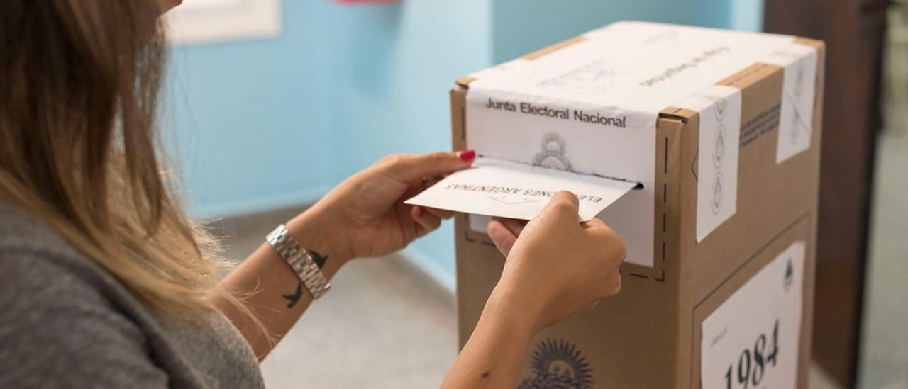 PASO 2019: Cambiemos perdió casi 700 mil votos respecto a las generales de 2015 y el peronismo sumó 2,5 millones