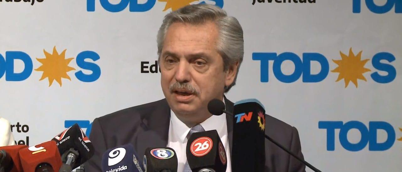 """Alberto Fernández: """"Dujovne, apenas llegó, sacó la única norma que restringía el juego de los capitales golondrina"""""""