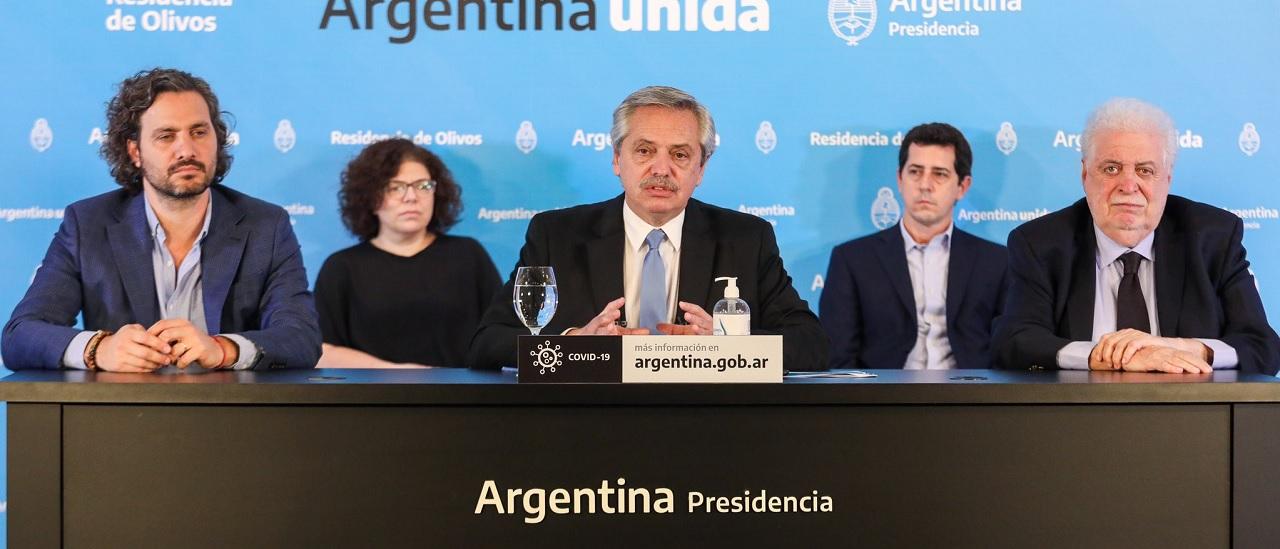Fernández anunció que el aislamiento obligatorio sigue igual en ciudades de más de 500 mil habitantes, aunque con salidas de esparcimiento diarias de una hora
