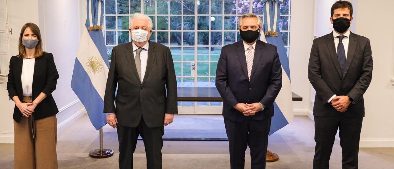 El Presidente anunció que la Argentina producirá la vacuna desarrollada por la Universidad de Oxford para la región