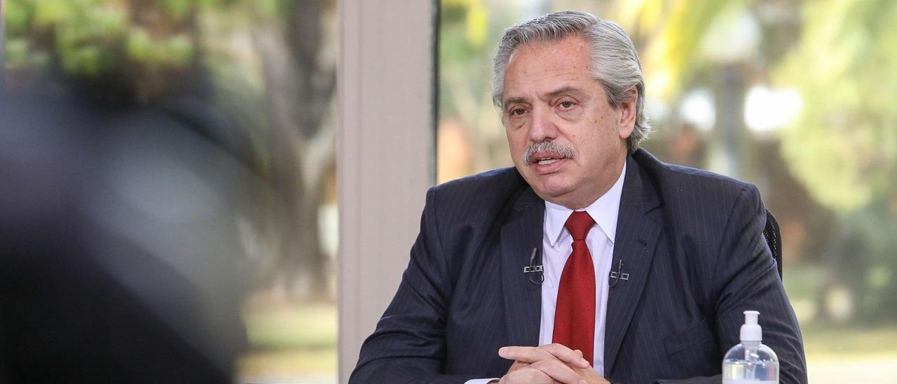 """Alberto Fernández: """"Entre enero y mayo, la variación de los salarios reales del empleo registrado cayó la mitad de lo que cayó en 2019 cuando gobernaba Cambiemos"""""""