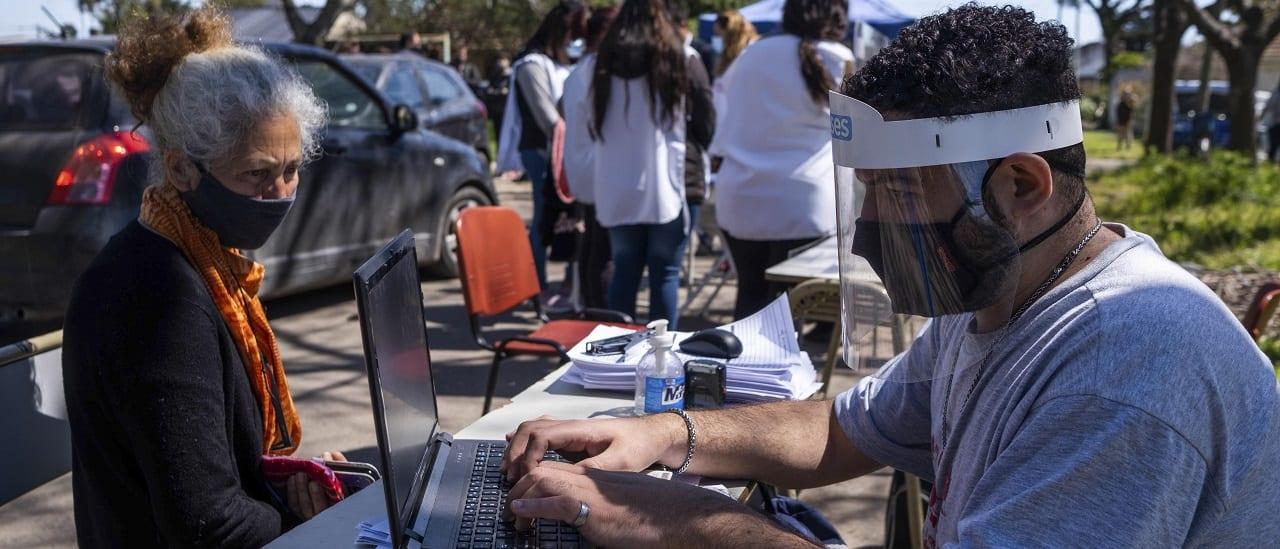Paso a paso: cómo se registran los casos y las muertes por coronavirus en la Argentina