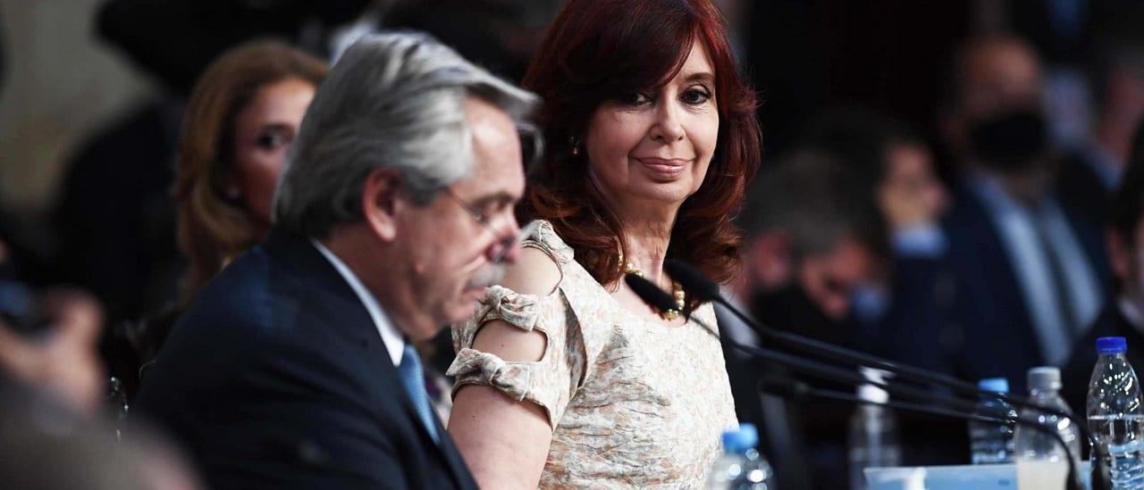 """Qué es la """"querella criminal"""" que Fernández pidió para Macri"""