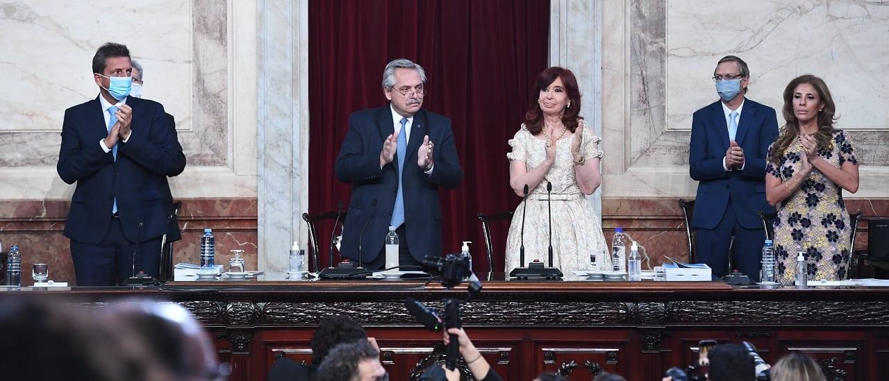 """Alberto Fernández: """"Recompusimos el estipendio de las becas del Conicet"""""""