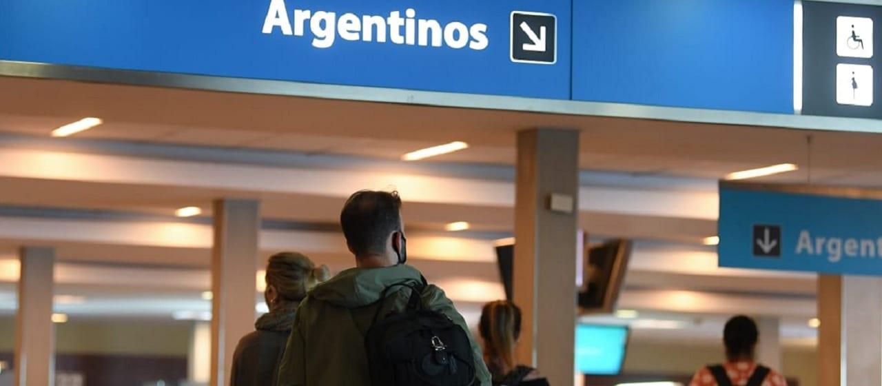 Coronavirus: el Gobierno fijó un cupo de ingreso al país de 600 pasajeros diarios y prorrogó las restricciones a la circulación