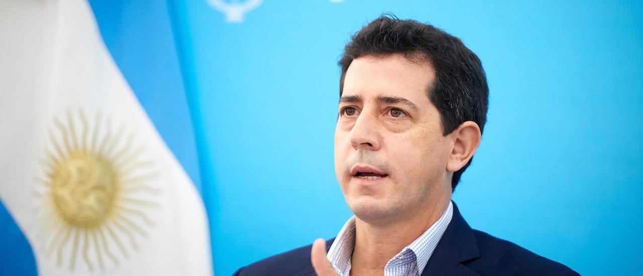 """De Pedro: """"Estamos discutiendo una deuda con el FMI similar al monto que el FMI ofrece al mundo para resolver el problema de la pandemia"""""""