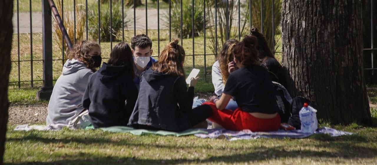 Coronavirus: la Ciudad de Buenos Aires flexibiliza los encuentros al aire libre y las actividades profesionales