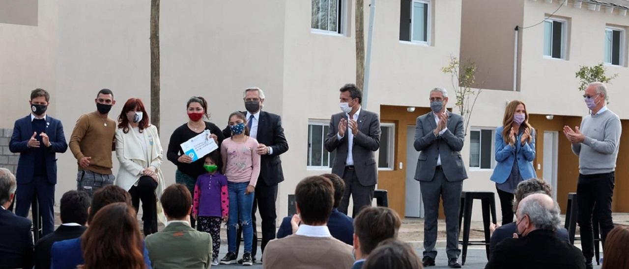 Chequeos a desinformaciones sobre la inauguración de viviendas del Frente de Todos en Avellaneda