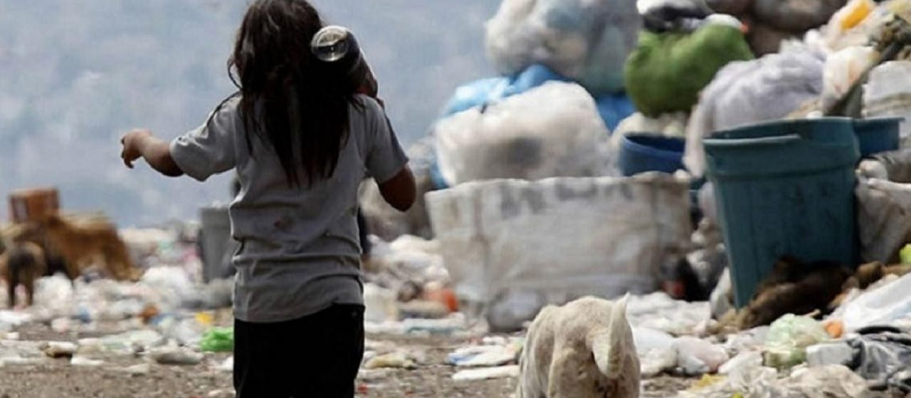 La pobreza bajó en relación con 2020, pero aún se ubica por encima de los niveles prepandemia