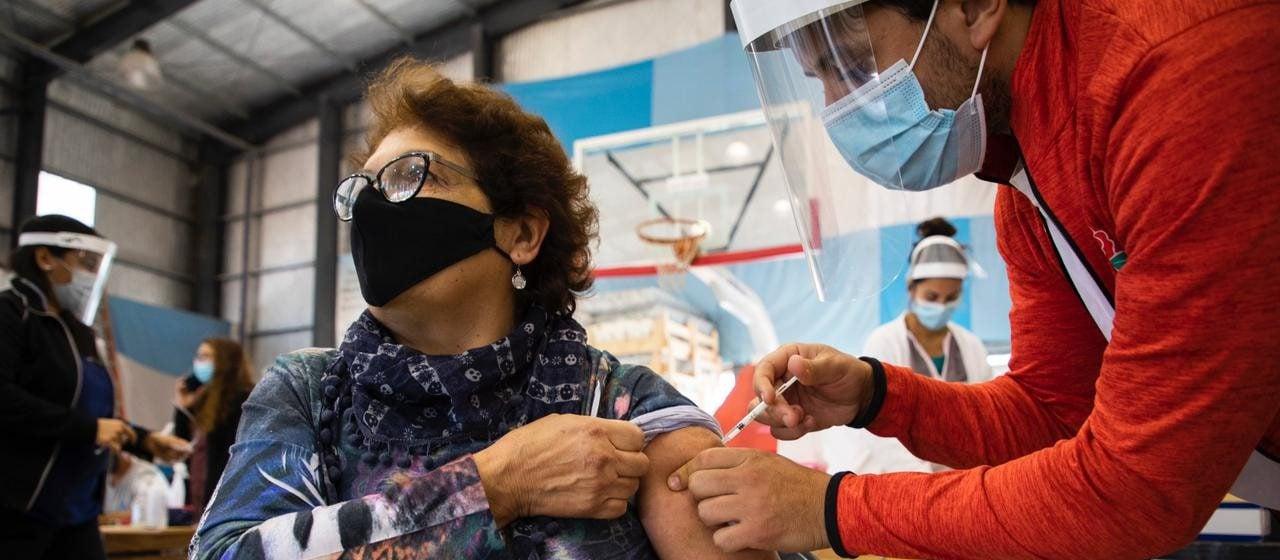 ¿Cuáles son las vacunas contra el coronavirus más aplicadas en la Argentina?